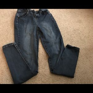Size 9 high-rise skinny leg jegging from SO